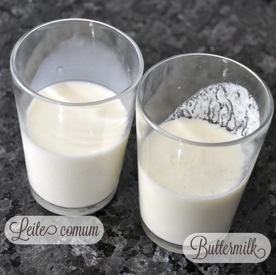 Buttermilk caseiro feito apenas com leite e limão.