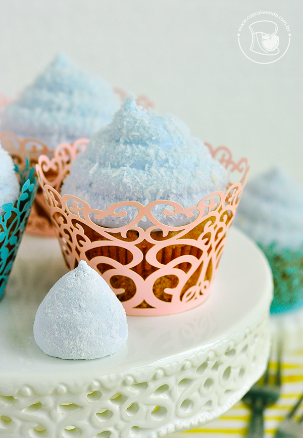 Cupcakes de cravo e canela com cobertura de marshmallow