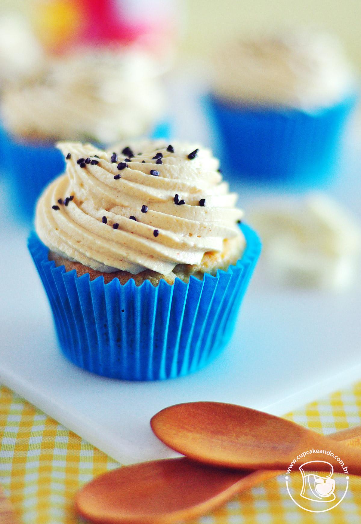 Cupcakes de banana com manteiga de amendoim, inspirados no gosto do Elvis Presley
