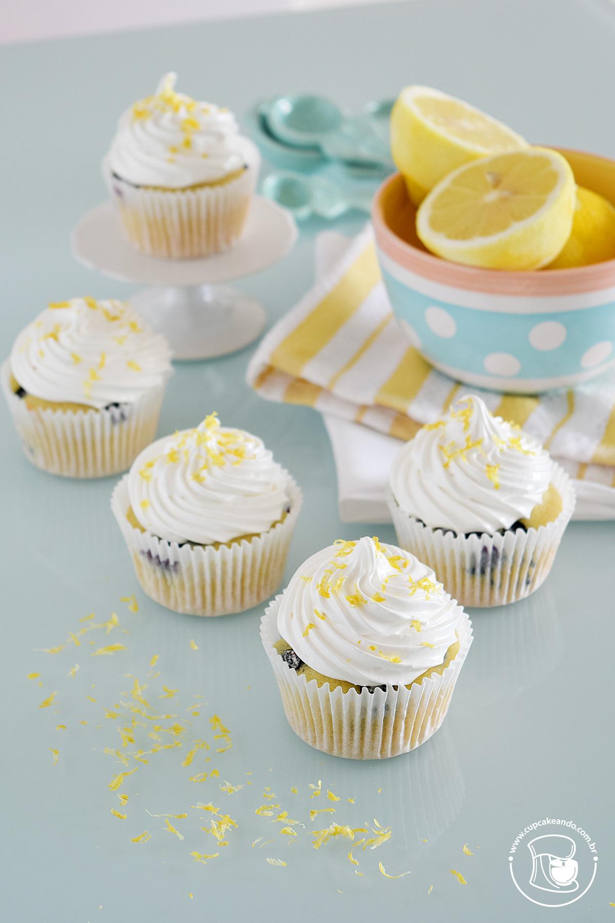 Cupcakes de limão e mirtilo, sem lactose