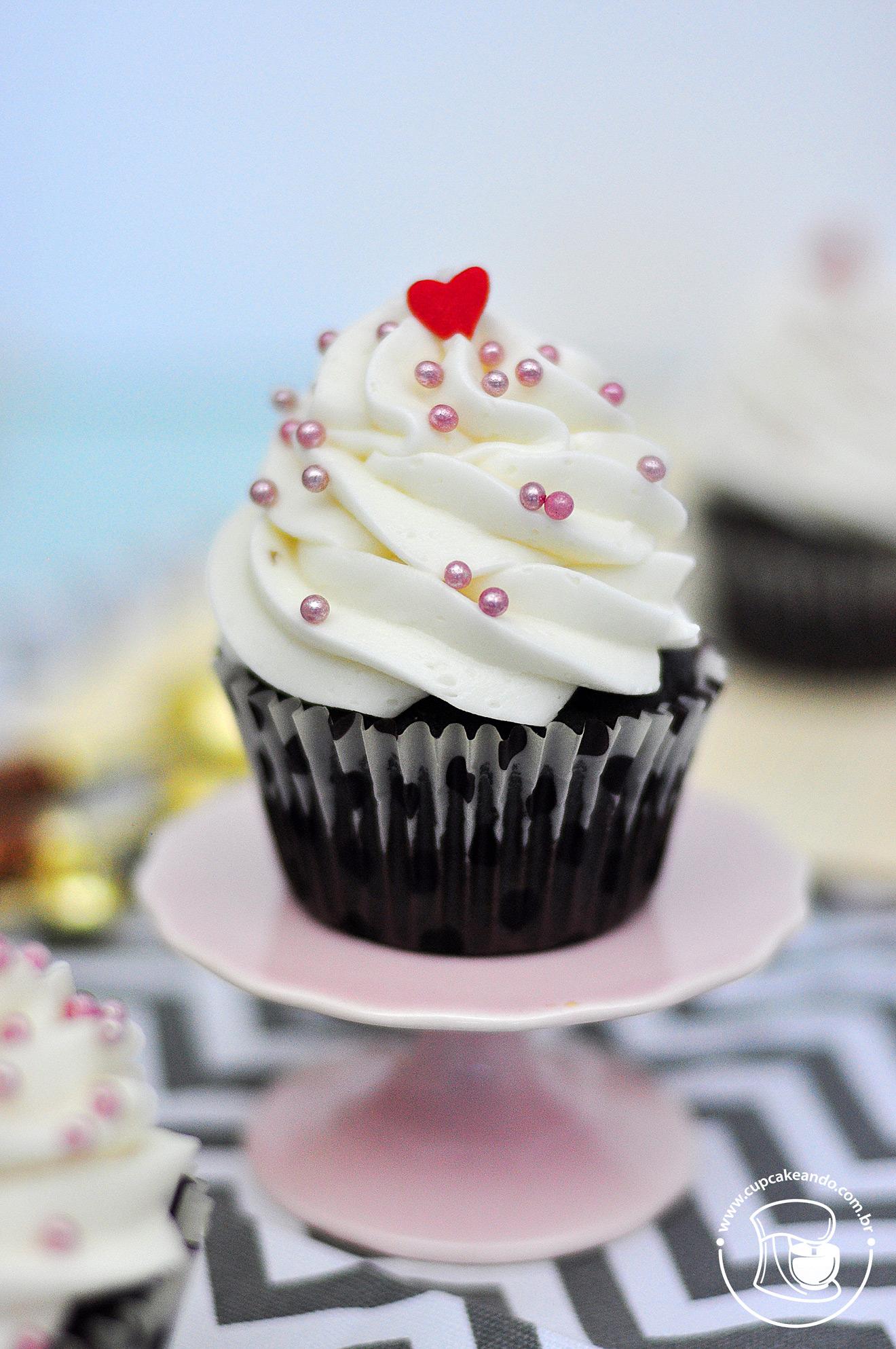 Cupcakes veganos de chocolate com buttercream vegano
