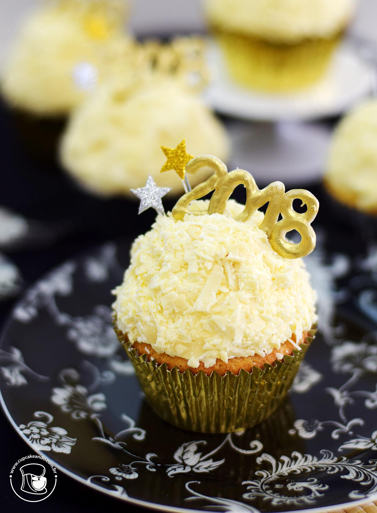 Cupcakes de chocolate branco para o 2018