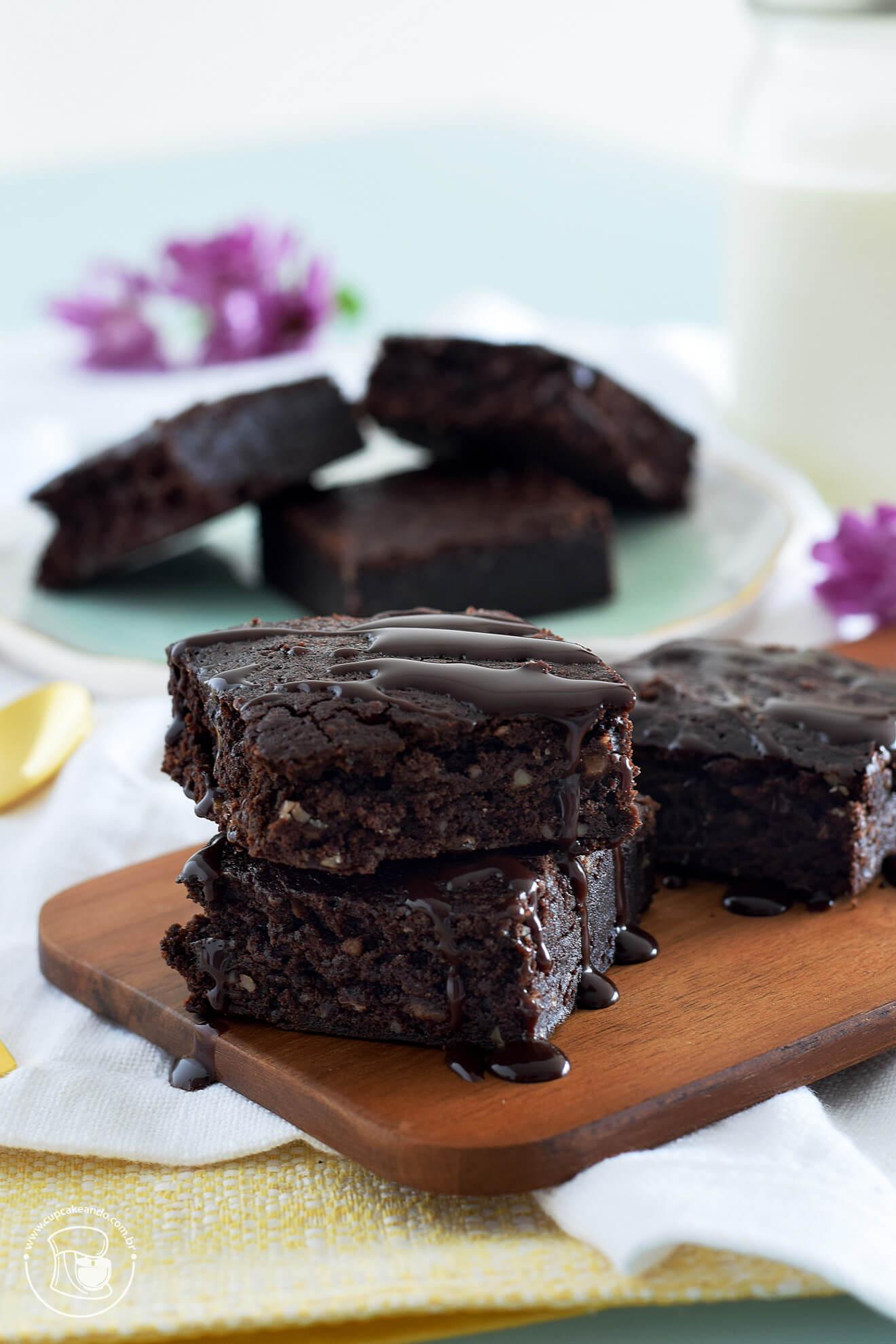 Brownies de cacau e chocolate, os melhores da sua vida